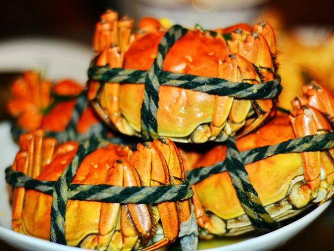 今年大个的大闸蟹有点贵 普遍涨价三到四成