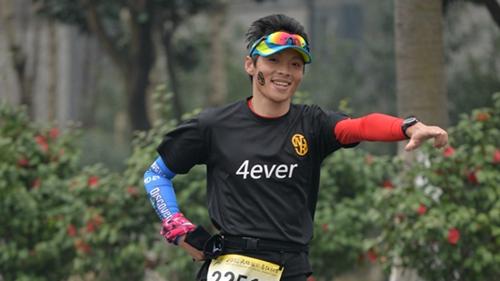 越跑越有劲的四哥:邱志江与跑友们相约在路上