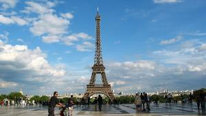 外企员工请8天探亲假跑欧洲玩 遭解雇法院判合法