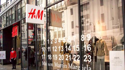 Balmain x H&M今日开卖 大批粉丝搭帐篷睡街排队