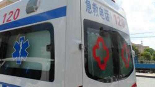 隧道内为急救车让道 南京多名司机获奖励500元