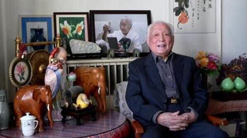 原中顾委委员、新华社原社长朱穆之病逝 享年99岁