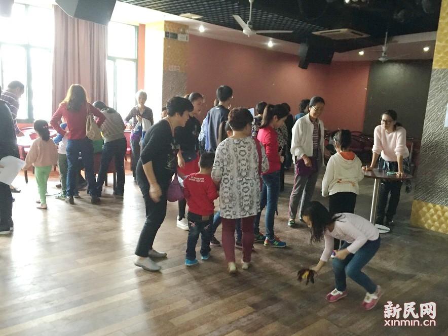 侬好上海沪语大世界,三代人的上海共鸣——记大场社区精彩瞬间