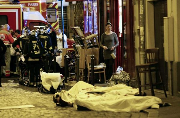 法国巴黎巴塔克兰剧院已有百余人死亡