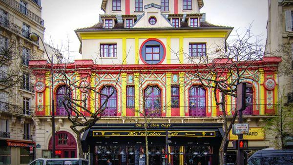 法国警方对巴塔兰克剧院强攻 至少100名人质获救