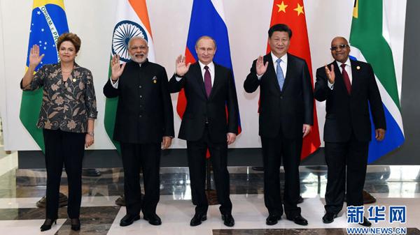 习近平出席金砖国家领导人非正式会晤