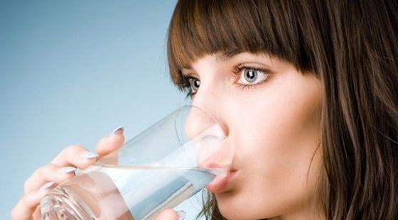 上班族喝水用什么杯子最健康?