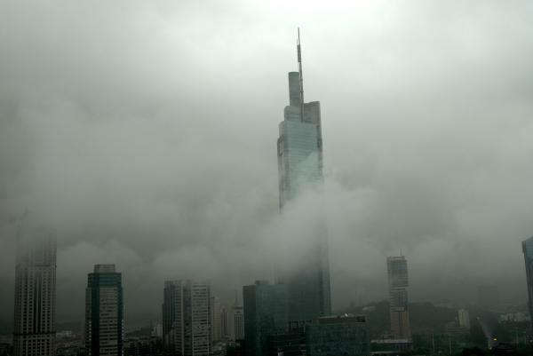 南京第一高楼被诉侵犯邻居的日照权 法院判赔10万