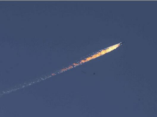 视频:土耳其军方击落俄战机现场画面曝光