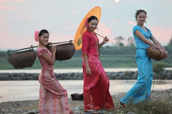傣族姑娘_因为这是傣族姑娘寻找如意情郎的一种方式.
