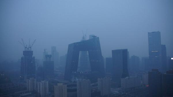 北京首发空气重污染红色预警 全市中小学停课3天