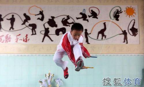 小学生跳绳破小学一秒跳7.3下沙特王子求合影徐州纪录v小学图片