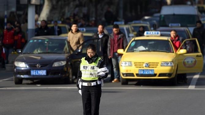 南京大屠杀死难者国家公祭结束 晚6时将举行烛光祭