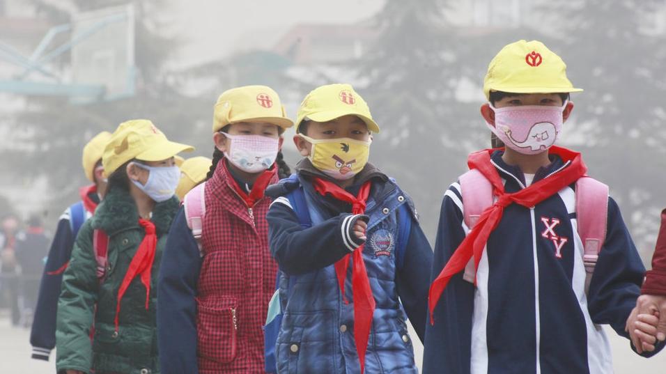 """污染天选择口罩有""""讲究""""活性炭口罩不防颗粒物"""