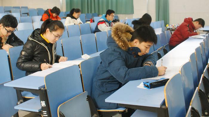 复旦交大等13所上海高校 2015年共招了373名插班生