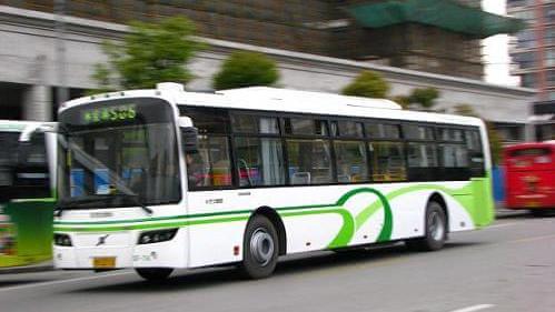 上海将试点对20条公交线实施时刻表挂牌服务