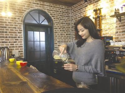 清华女博士回老家开乡村咖啡馆