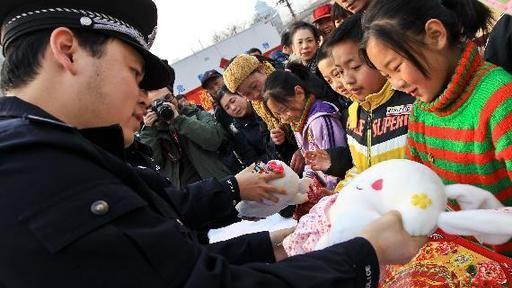 上海警方呼吁:请市民将历年存量烟花主动上交