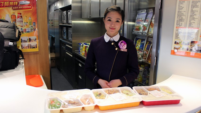 新品种来了 上海高铁下周起将开卖饭团寿司三明治