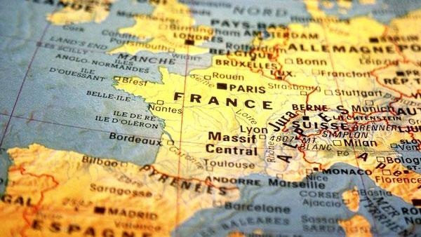 """不许改!法国民众打响""""法语保卫战"""""""