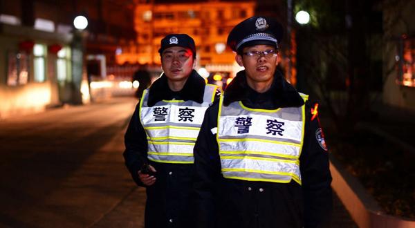 沪上民警全员上岗 昨夜今晨中心城区烟花零燃放