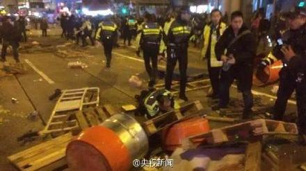 香港:旺角骚乱致48名警员受伤 特区政府严厉谴责