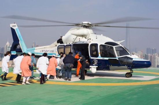 江苏患儿病情危重 年初二直升机转运瑞金抢救