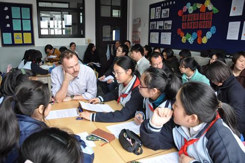 绘教育斑斓色彩 促养成优质女孩——上海市第三女子初级中学打造综合素养培育课程体系