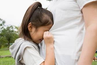"""3龄童走失独坐公交 好司机及时""""稳住""""找到家人"""