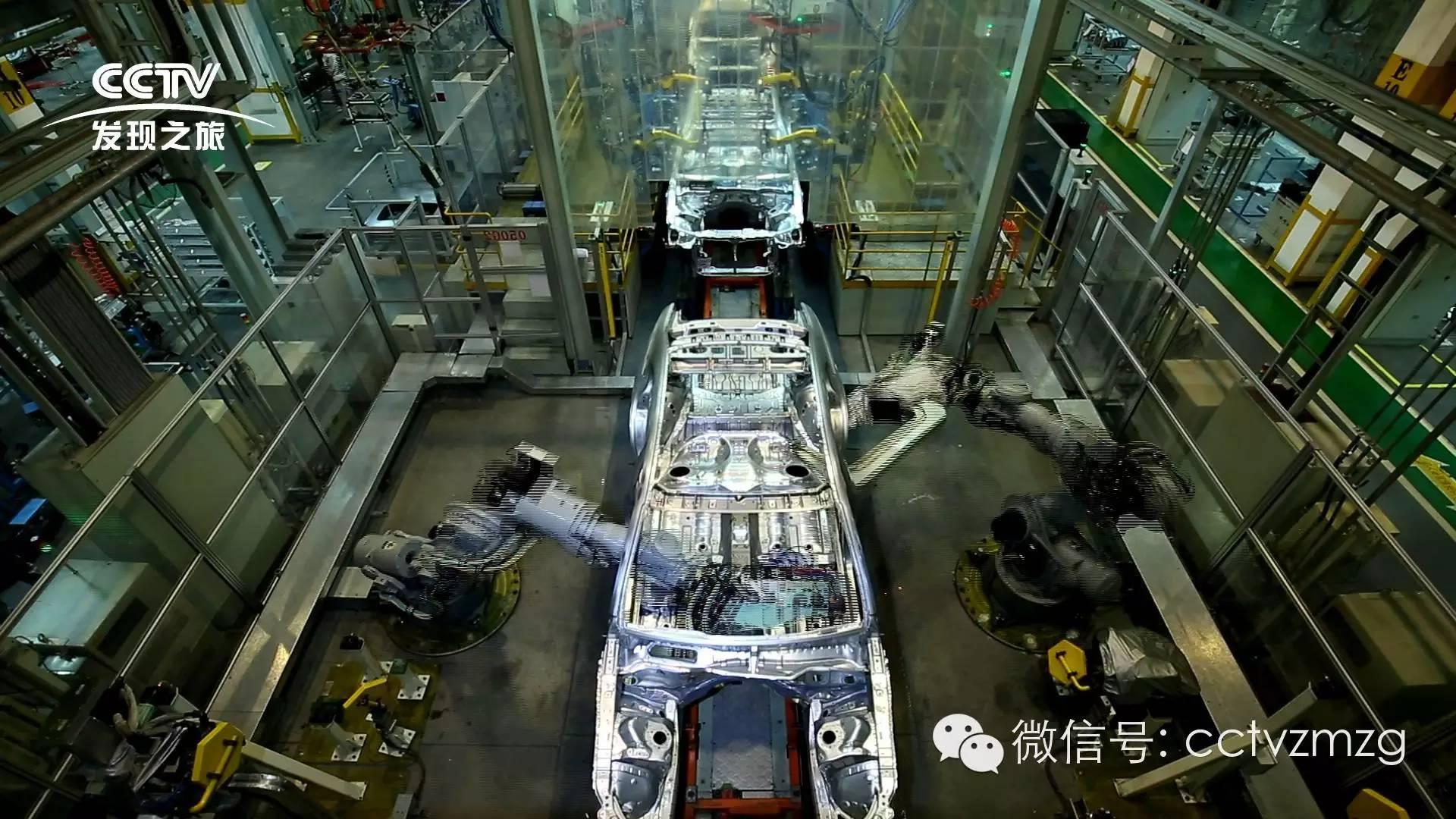 而红旗生产线采用机加线桁架机械手和自动辊道相结合的形式,结合大量