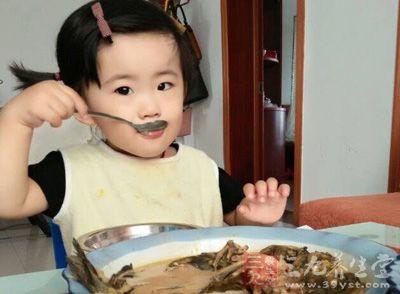 小孩子不吃饭怎么办 改善宝宝味口的办法