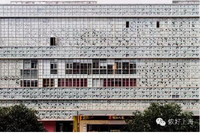 上海市中心惊现奇葩大楼!