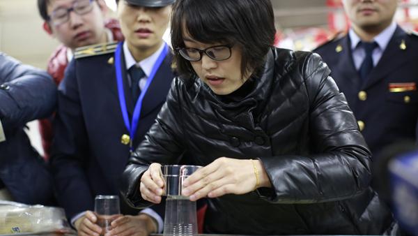 质监抽查一次性杯子 多个品牌产品不负重不耐温