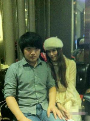 苏小妍男朋友微笑真名及个人资料 苏小妍和微笑为什么分手图片