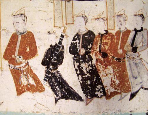 ,纷帨为鱼形,古代衣食住行敦煌结帛作之,以鱼