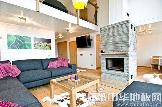 原标题: 原木色木地板带来温润触感 清新风跃层式公寓