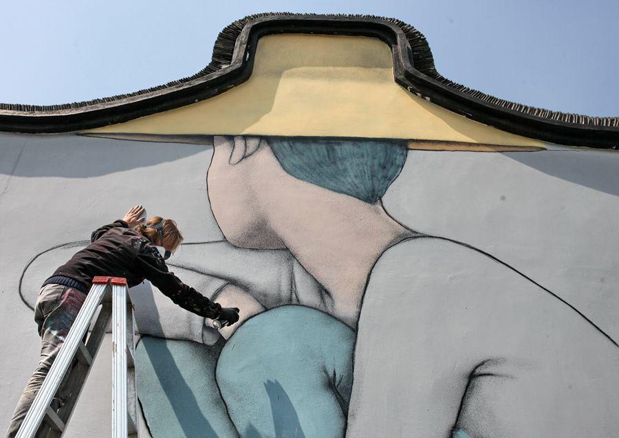 法国艺术家在枫泾开启墙绘之旅