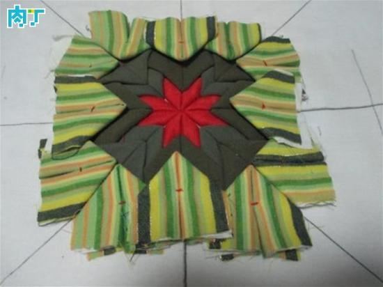 旧衣服改编方形坐垫拼布的做法diy图解教程