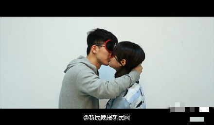 南京大学生发起亲吻陌生人活动,学生称是表达信任,你怎么看?