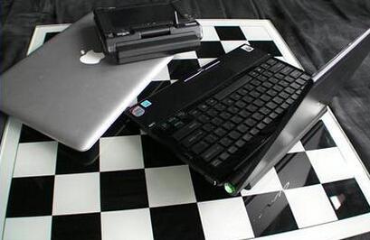 广州一女大学生找黑客改成绩 还套密码赚钱