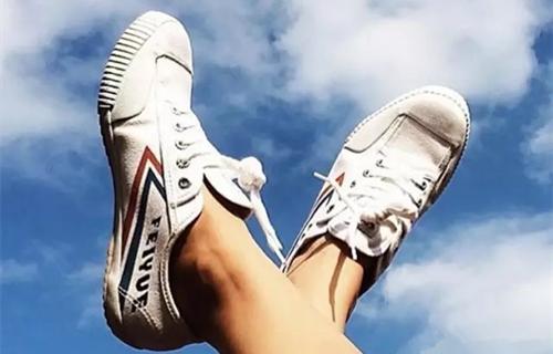 上海曾经人脚一双的飞跃球鞋!