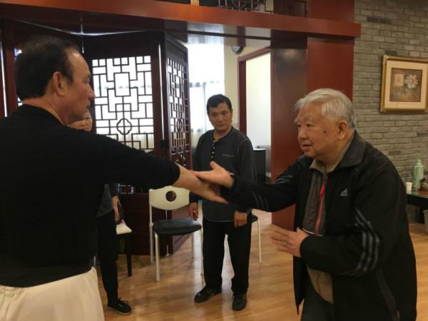冯如龙指导中华武术会会员应战市民运动会