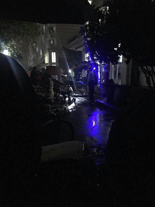 上海松江大学城一名大二男生坠楼身亡