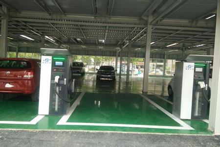 浦东机场新能源汽车充电桩投用