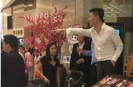上海一饭店总监餐厅抽烟,辱骂孕妇,你怎么看?