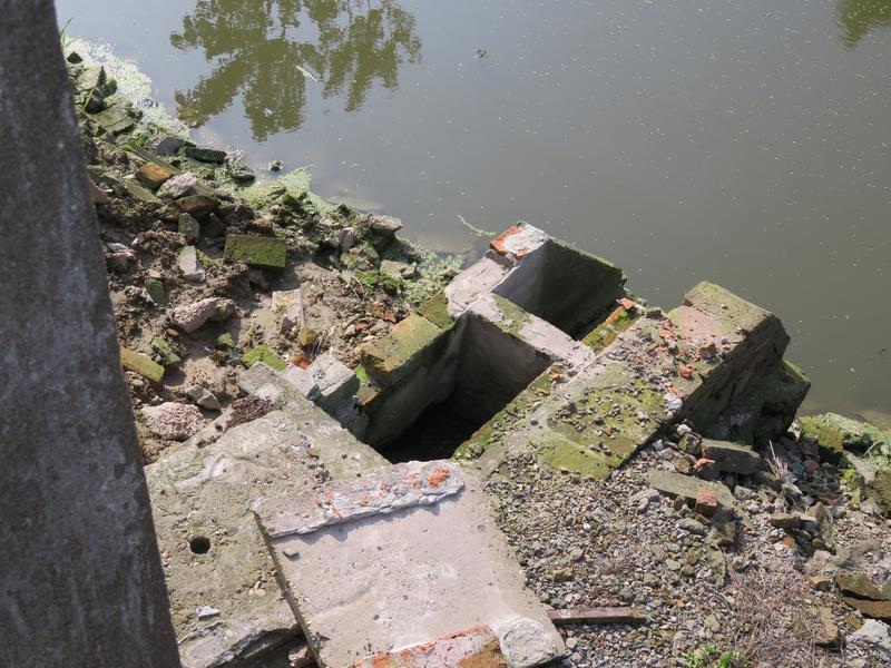 抽干河水才发现排污口!堪比侦探小说!