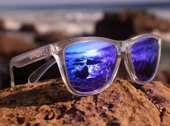 blue oakley frogskins  oakley