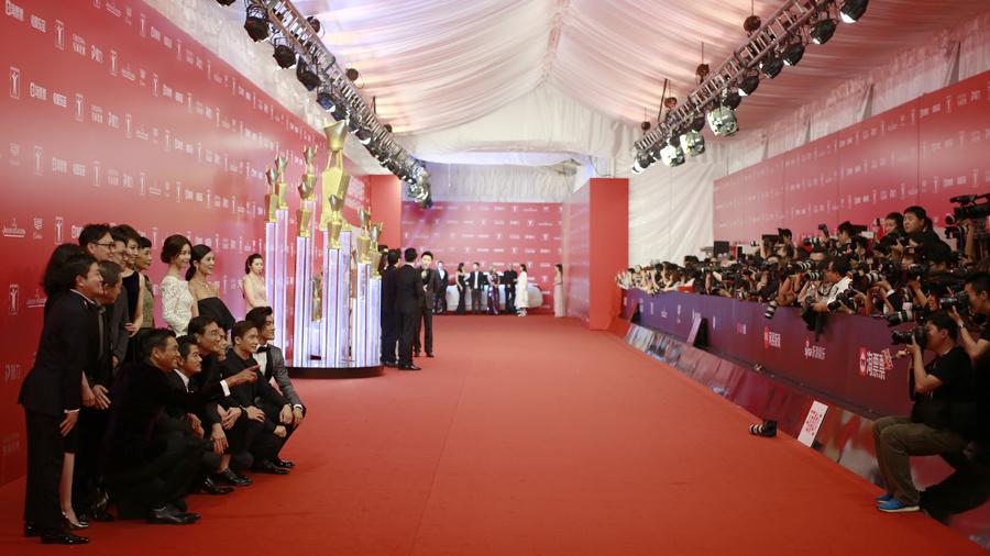 高清大图!亚洲第一红毯今晚揭幕上海电影节
