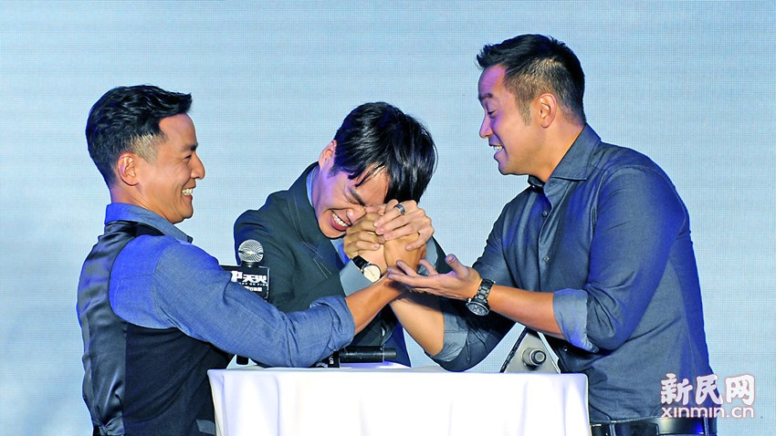 《寒战2》演职人员亮相电影节 周润发笑容醉人