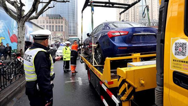 """沪交通大整治3个月查获""""黑车""""2700余辆"""